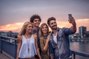 Hacerse el selfie perfecto es posible y aquí descubrirás cómo