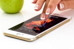 Productos ecorresponsables y económicos: diez claves para elegir tu smartphone reacondicionado ideal
