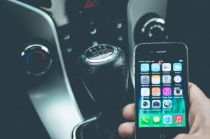 Cómo diagnosticar problemas del coche con un teléfono inteligente