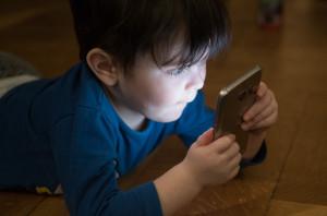 Cómo educar y entretener a los niños con la tecnología: cuatro ideas para este verano